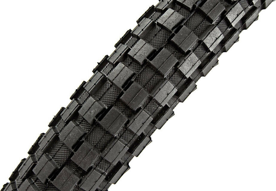 Maxxis Holy Roller 26 x  2.2 Steel Bead Tire  save 50%-75%off