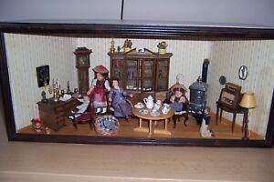 Antike Puppenstube um 1900 voll eingerichtet für Sammler Puppen Inventar Licht .