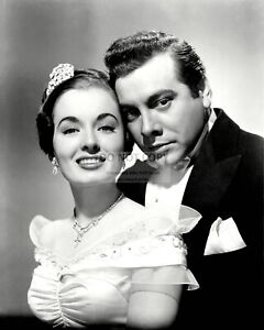 MARIO-LANZA-AND-ANN-BLYTH-IN-034-THE-GREAT-CARUSO-034-8X10-PUBLICITY-PHOTO-EE-005