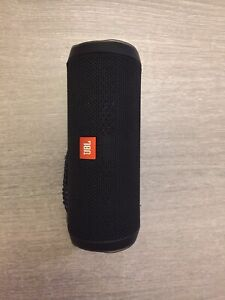 JBL-Flip-4-Black-Enceinte-Bluetooth