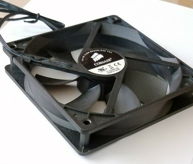 NEW Corsair black 120mm brushless PC Case fan (A1225M12S) COMBINED P&P AVAILABLE