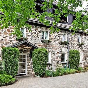Sauerland Aktiv Wochenende für 2 Personen Wellness Hotel mit Pool Gutschein 3 T.