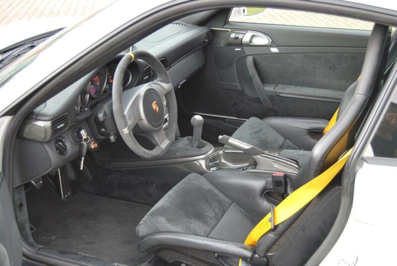 Porsche 911 GT2 Coupé - 7