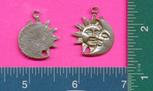 12 wholesale lead free pewter sun//moon pendants 3019