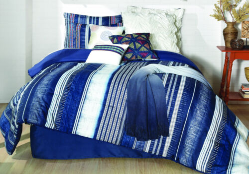 7 Piece London Blue//White Oversized Comforter Set