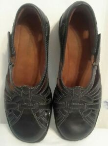 women's Auditions Black Leather Fisherman Comfort Shoes size 5.5