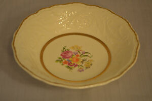 Trinket-dish-22-carat-gold-Fruit-bowl-Candy-Floral-Flowers-Unknown-CC