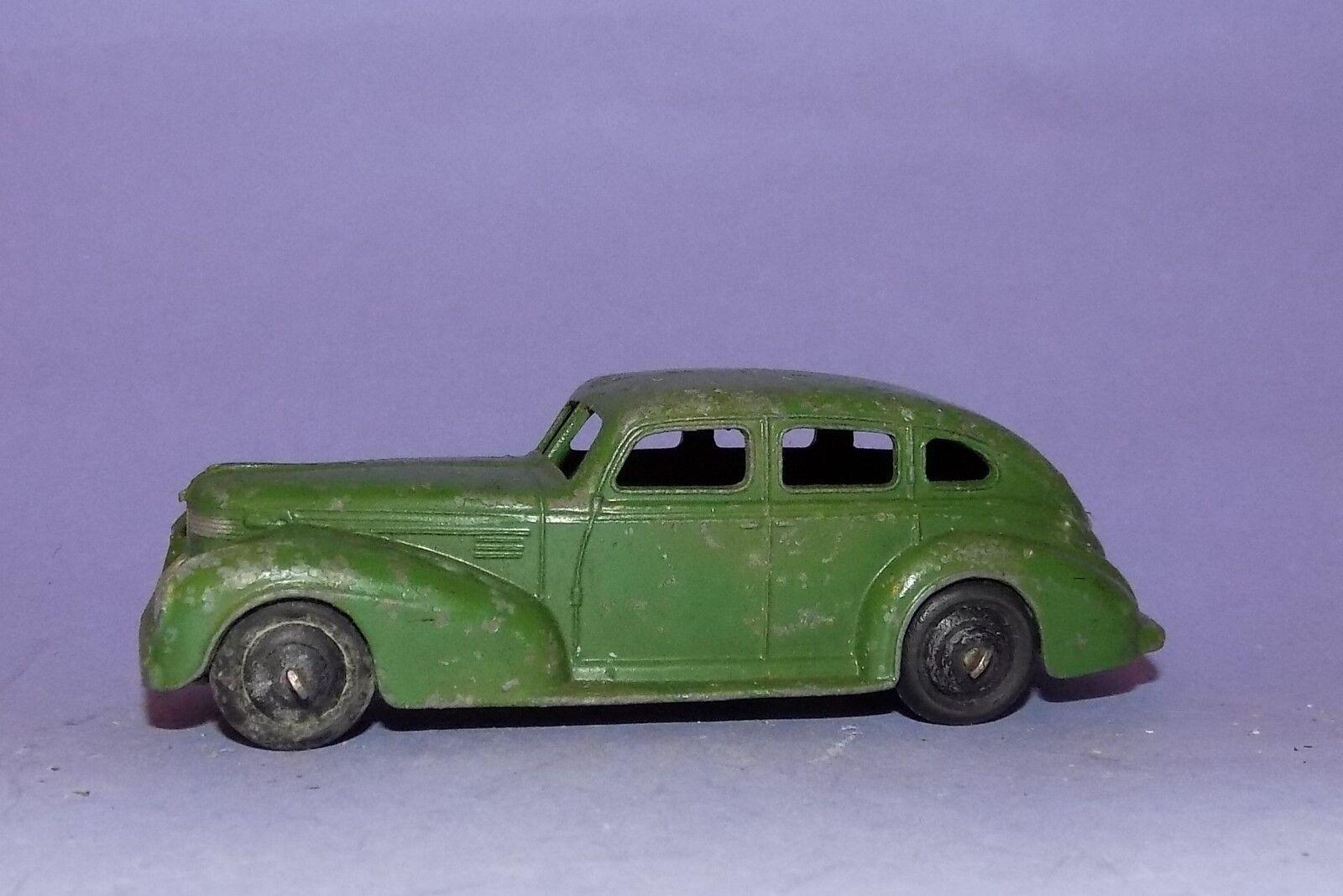 VINTAGE  1939 - 1950  DINKY TOYS  N. 39E  CHRYSLER Royal BERLINA  LOTTO 1