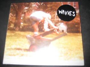 NOUVEAU-amp-NEUF-dans-sa-boite-CD-Wavves-same-s-t-Garage-Rock-lo-fi-Punk-White-reparti-Iggy-Pop