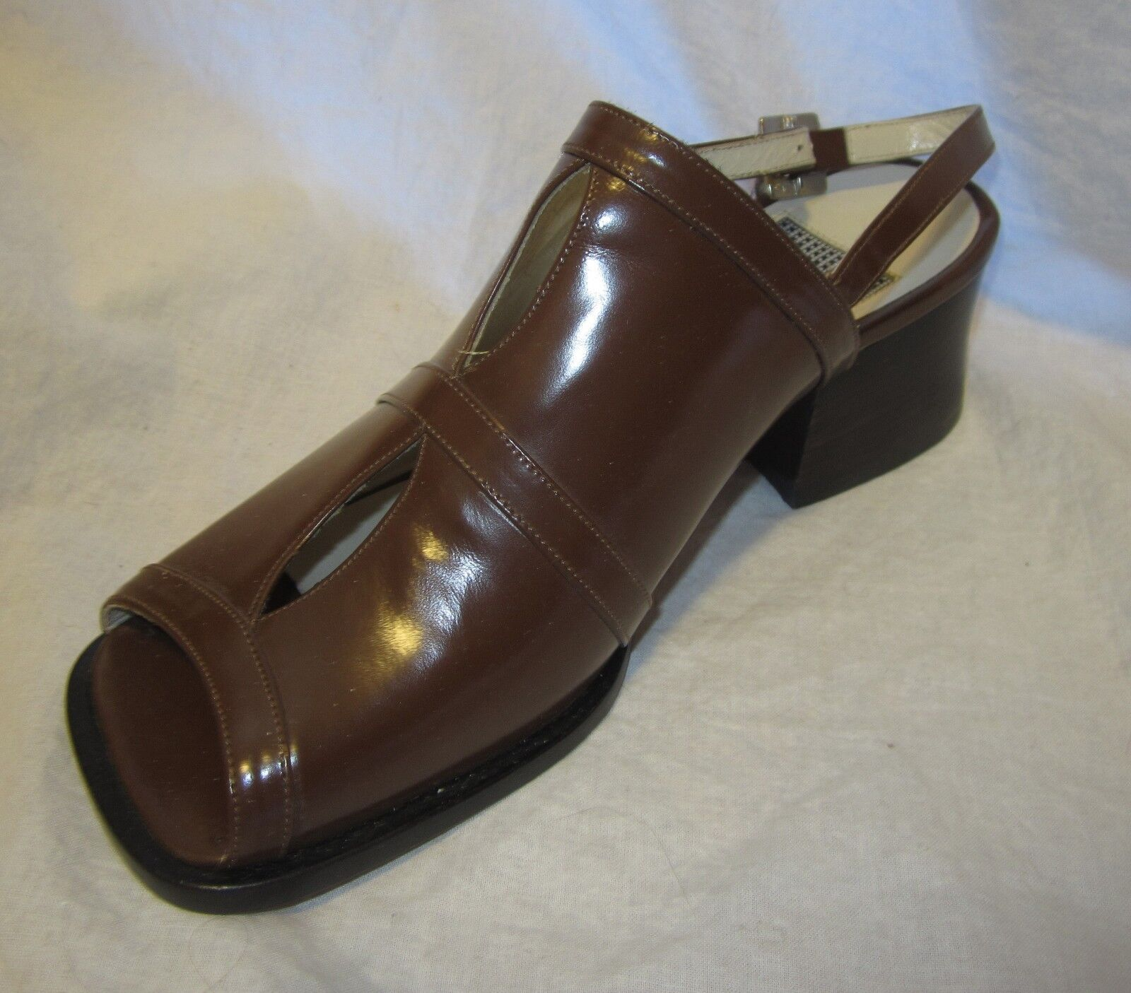 New DOMINICI Slingback Slides shoes 7.5 MADE IN ITALY Cut-Out Detail Latte