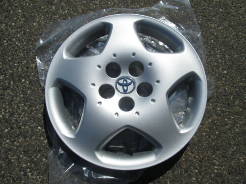 cool Toyota hubcaps collection on eBay!