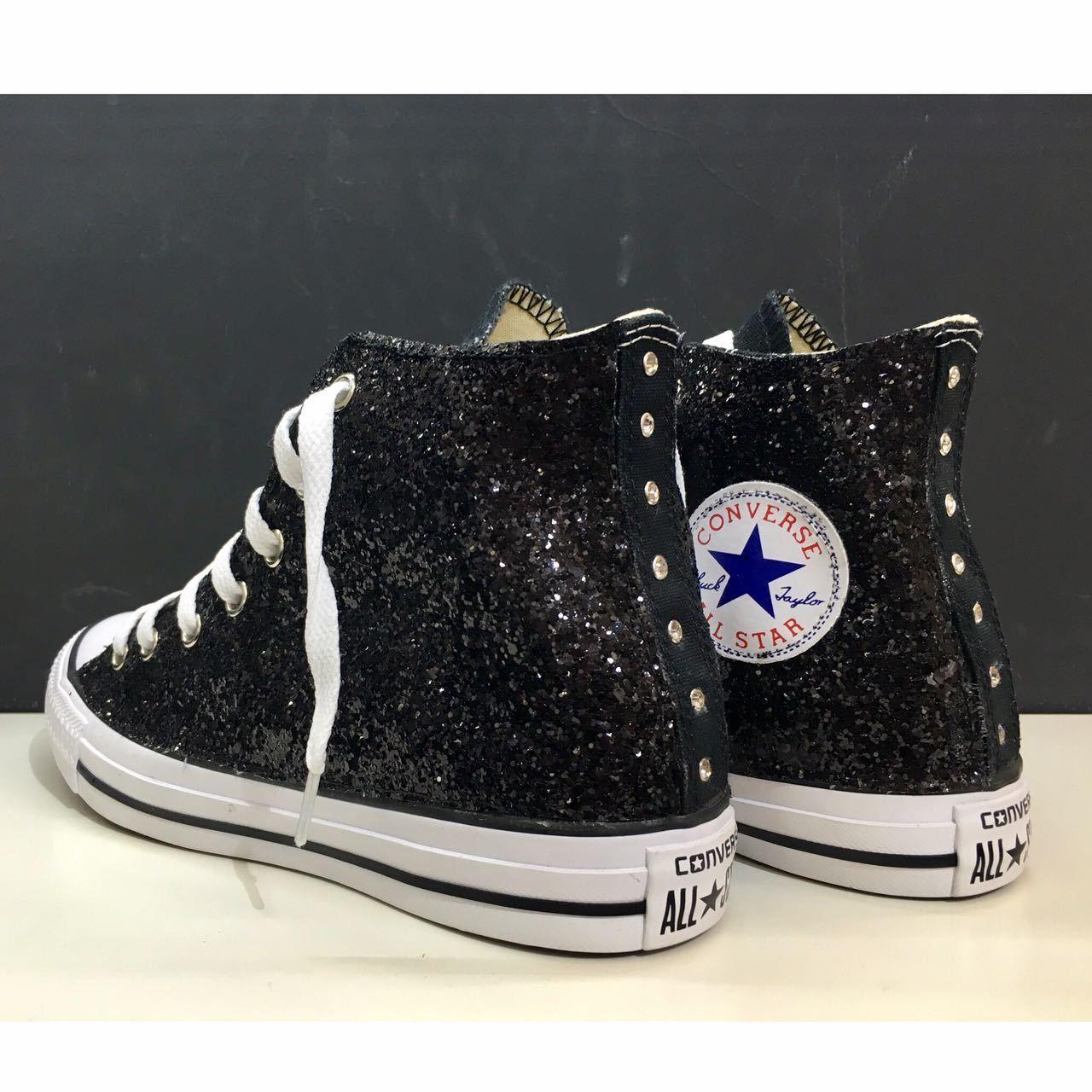 modelo más vendido de la marca converse all star borchiate con borchie glitter e swarovski strass