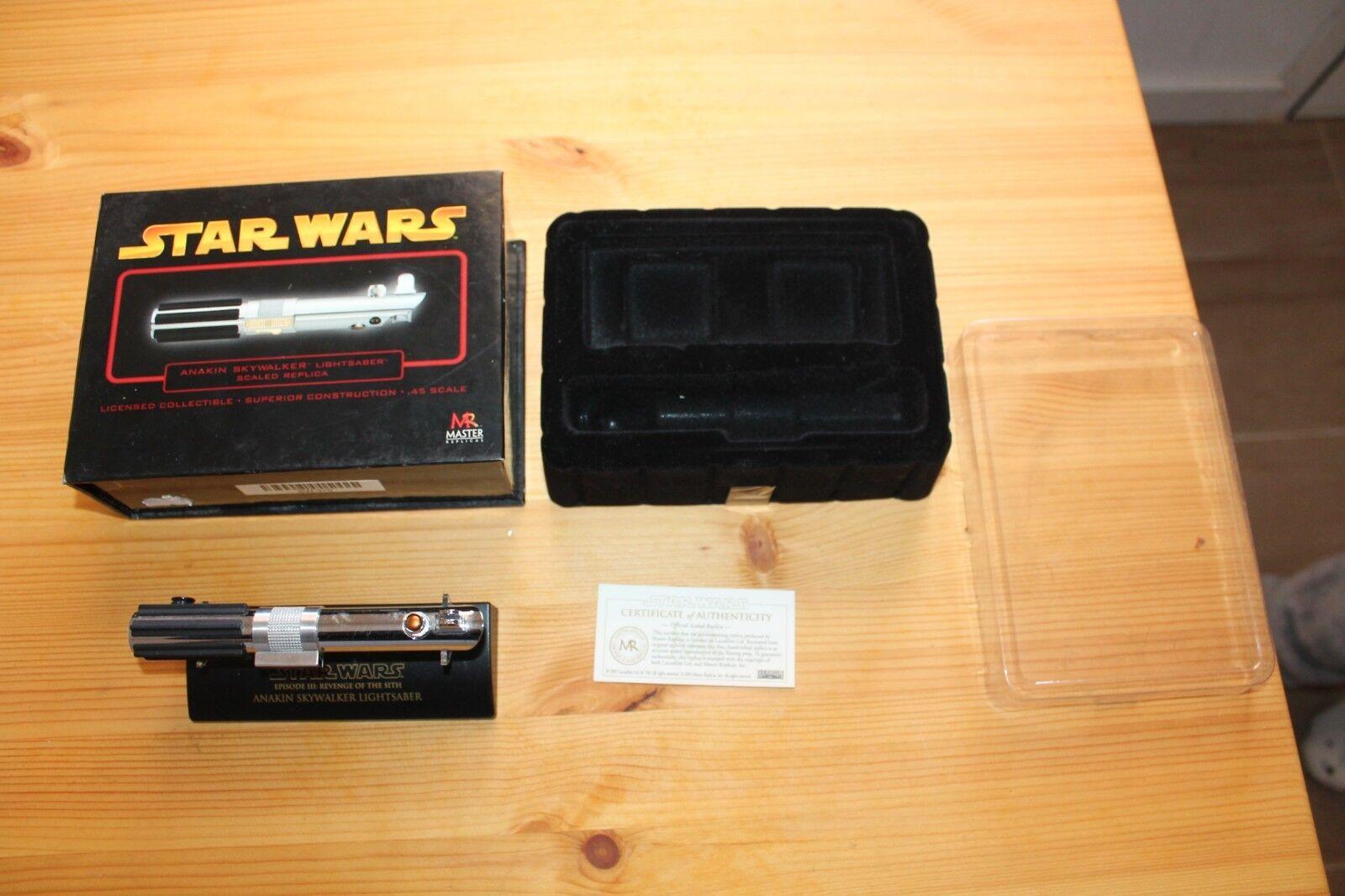 Anakin Skywalker Skywalker Skywalker Lightsaber Replica Escala 45 en caja Completo Master Replicas 2ce83b