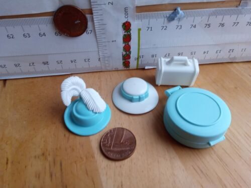 3907 Two Aqua Hats Band /& Feathers Luggage// Bags Playmobil New Spare Parts