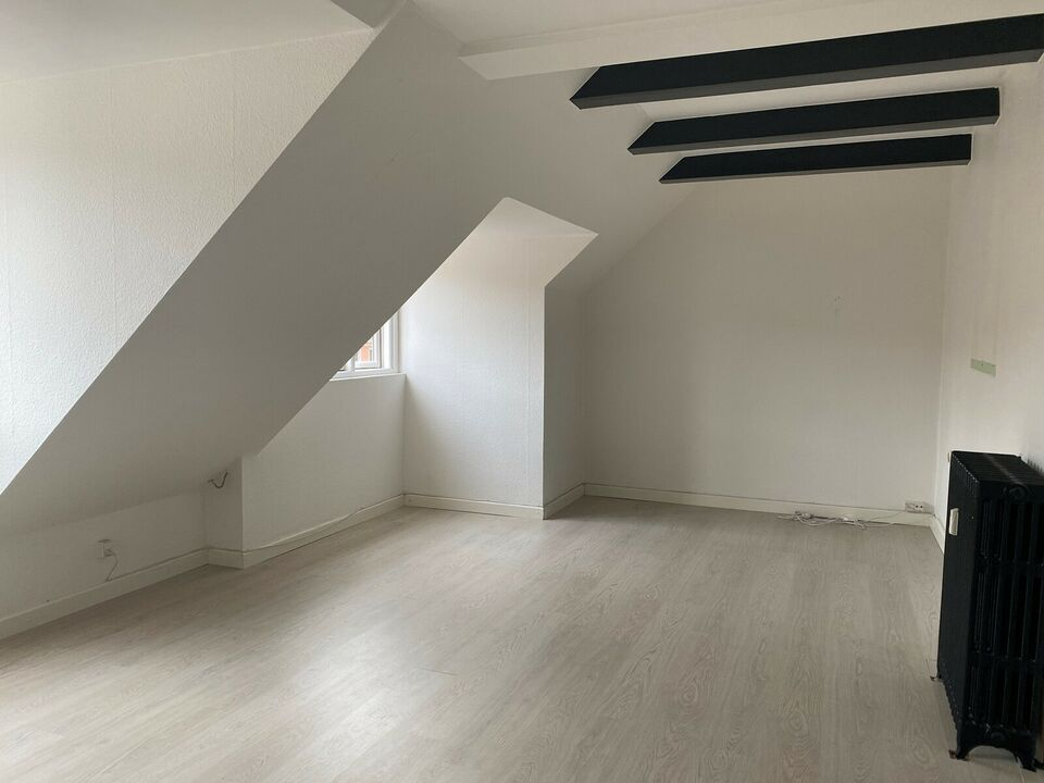 2000 2 vær. lejlighed, 76 m2, P.G Ramms allé 66 5