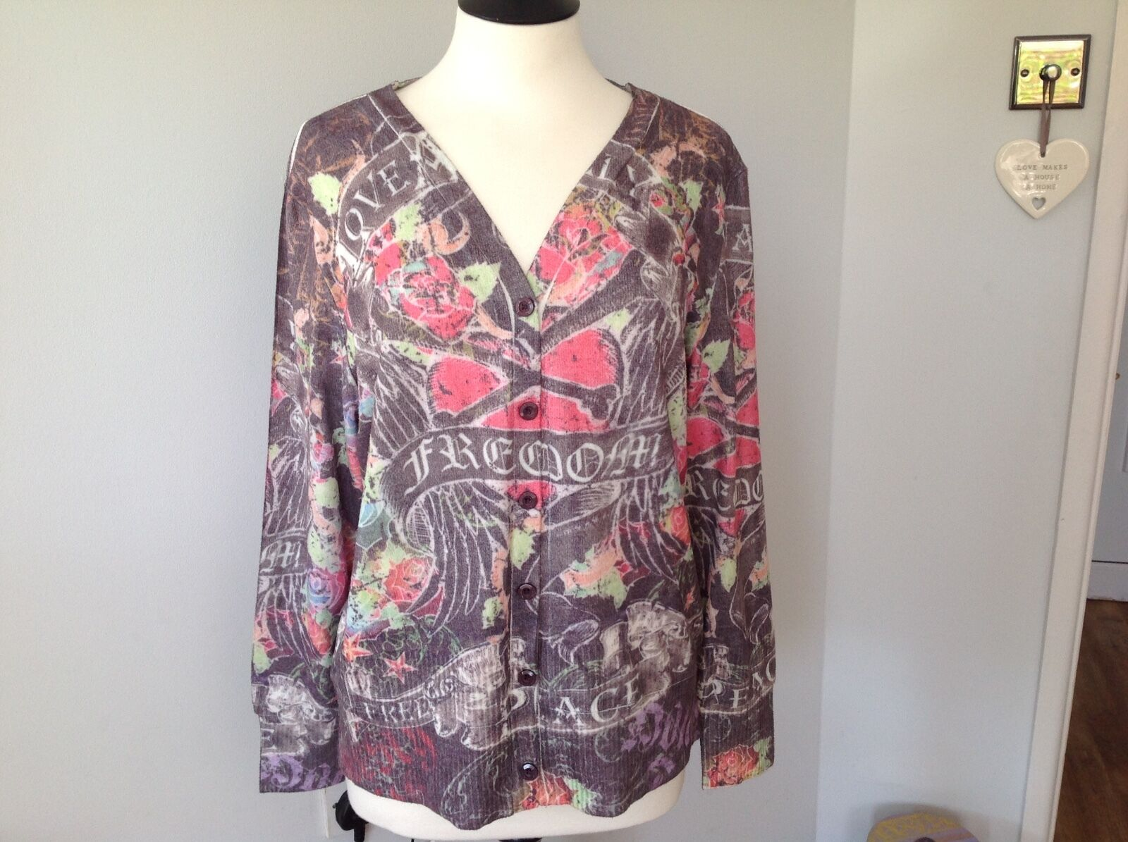 Ladies Cardigan Size XL Beautiful   Very soft.Made in Barcalona