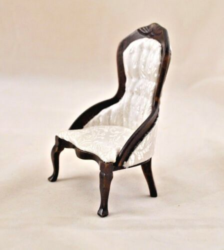 Victorian Parlor Chair walnut finish dollhouse 112 scale CLA10699