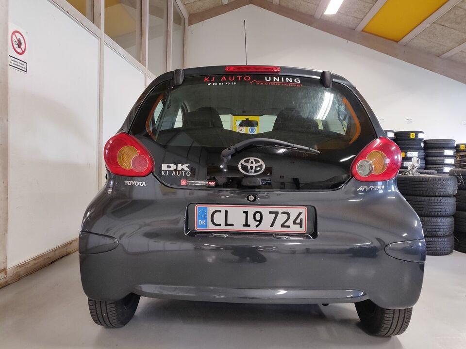 Toyota Aygo 1,0 Benzin modelår 2007 km 109000 Gråmetal ABS