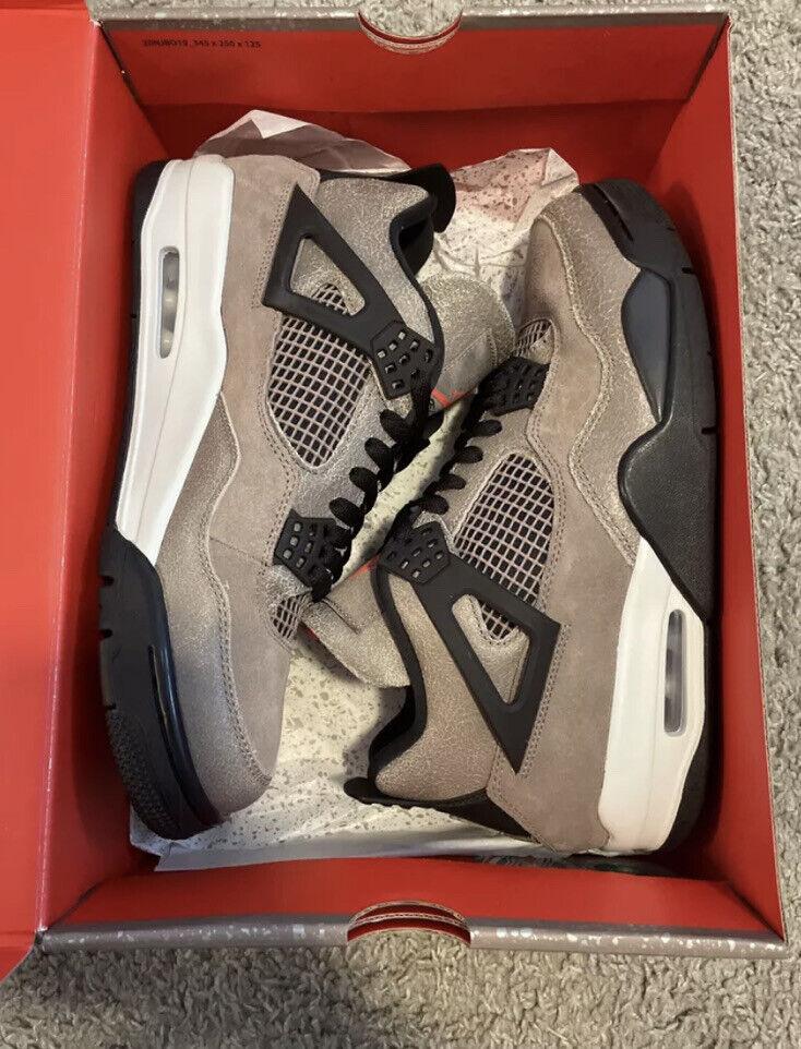 "Jordan 4 ""Taupe Haze"" size 10.5 SNKRS 100% authentic DB0732200"