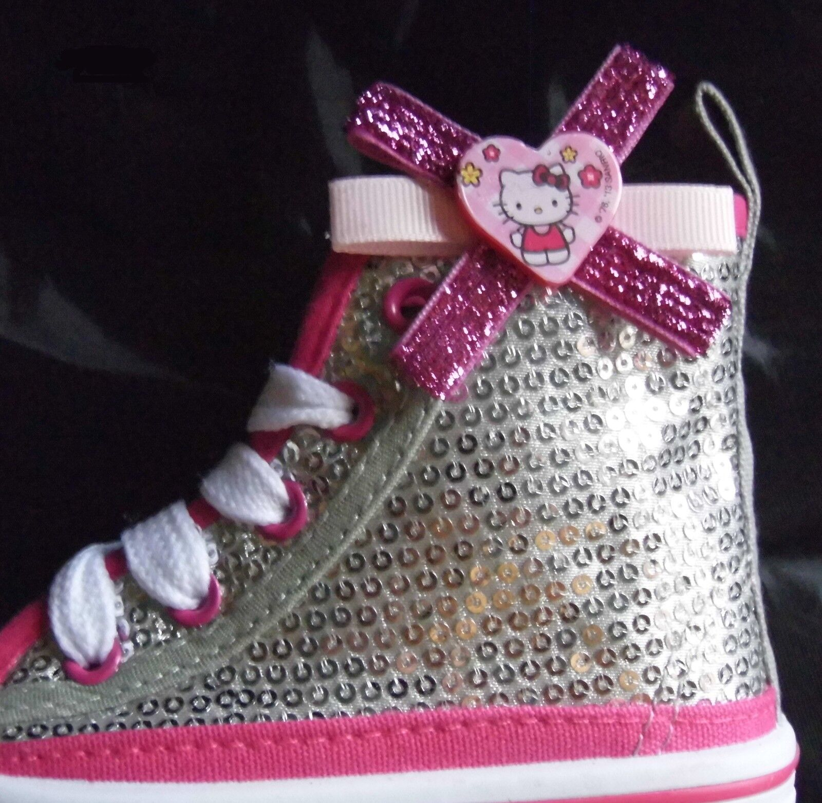 2 Hello Kitty Clips for Shoes