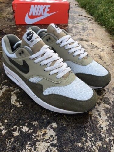 201 Nouveau Ah8145 11 Eu Hommes Boxed Uk 1 Taille Baskets Nike Max 46 Moyenne Air Olive 7w1nqxfB6