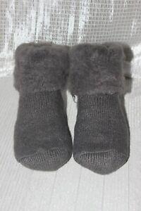 NWOT-Unisex-Gray-Fluffy-Room-Socks-Free-Size
