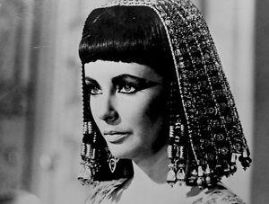 Elizabeth-Taylor-Press-Photo-1963-Cleopatra-20th-Century-Fox-Films-Stamped-VTG