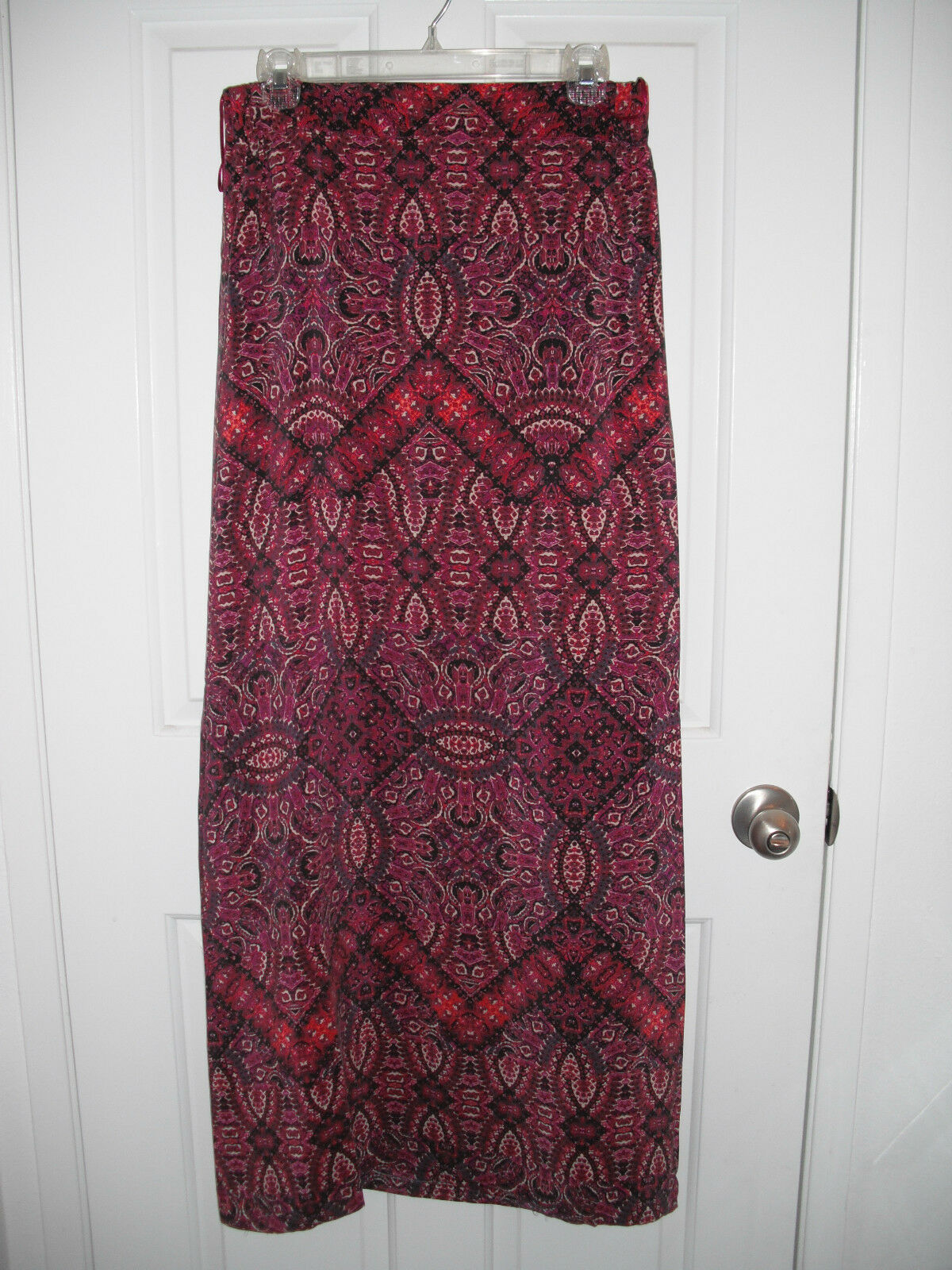 100% silk elasticized wasit maxi skirt multi-color red pink paisley 25 -28 Wx42