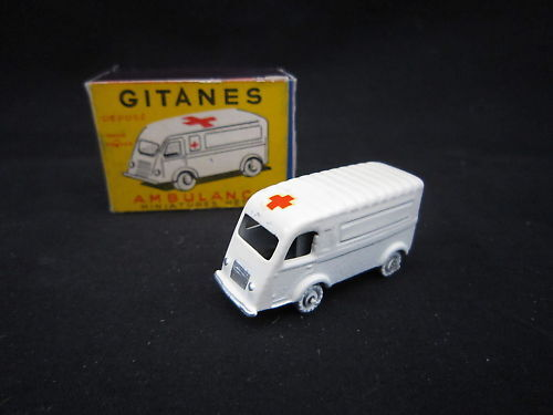 Q921 gypsies cij micro-miniature renault ambulance nb