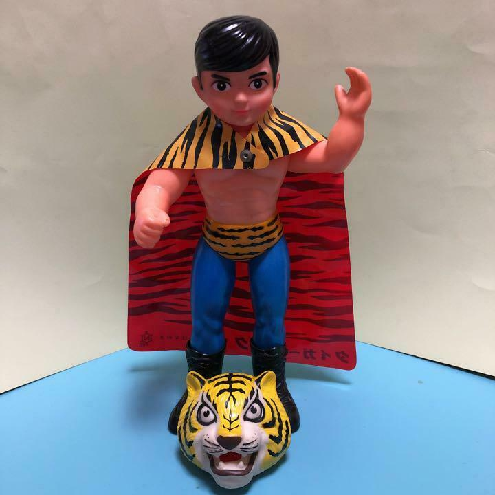 TIGER MASK FIGURE COLLECTIBLE JAPAN VINTAGE RARE TOY HOBBY FIGURINE WRESTLER