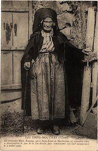 CPA Les TROIS-MOUTIERS La centenaire Marie Bruneau née a St-LÉGER (255793)