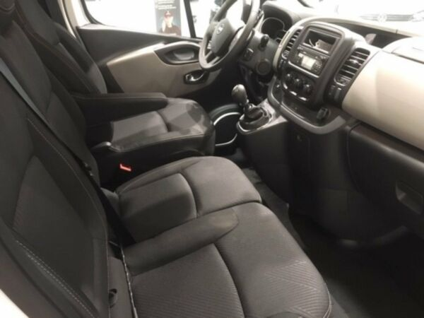 Nissan NV300 1,6 dCi 145 L2H1 Comfort Van billede 3