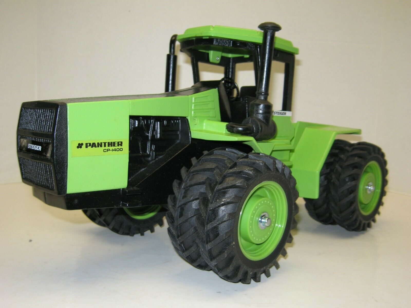 1 16 STEIGER PANTHER CP-1400 NO BOX free shipping