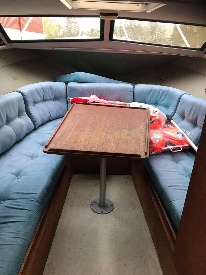 Scand 26 , Motorbåd, årg. 1980