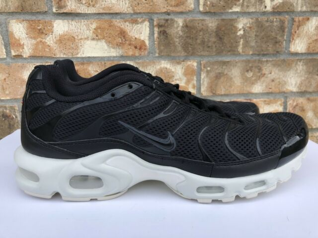 Nike Air Max Plus TN Size 13 Tuned Running Shoes Black Summit White 898014