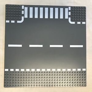 Lego-Road-Baseplate-T-Section-10-034-x-10-034-or-32-x-32-Studs-44341-GREAT-Condition