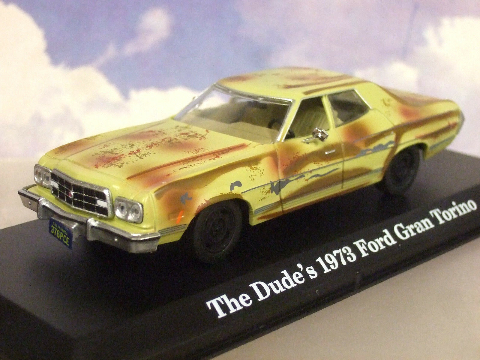 GREENLIGHT 1 43 THE DUDE 'S 1973 FORD GRAN TORINO FROM THE BIG LEBOWSKI