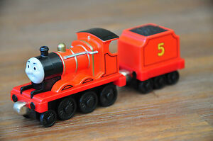 THOMAS & Friends Take N Play Diecast Die cast Engine - JAMES - Excellent