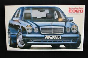 Fujimi Mercedes-Benz E320 1:24 (JS)