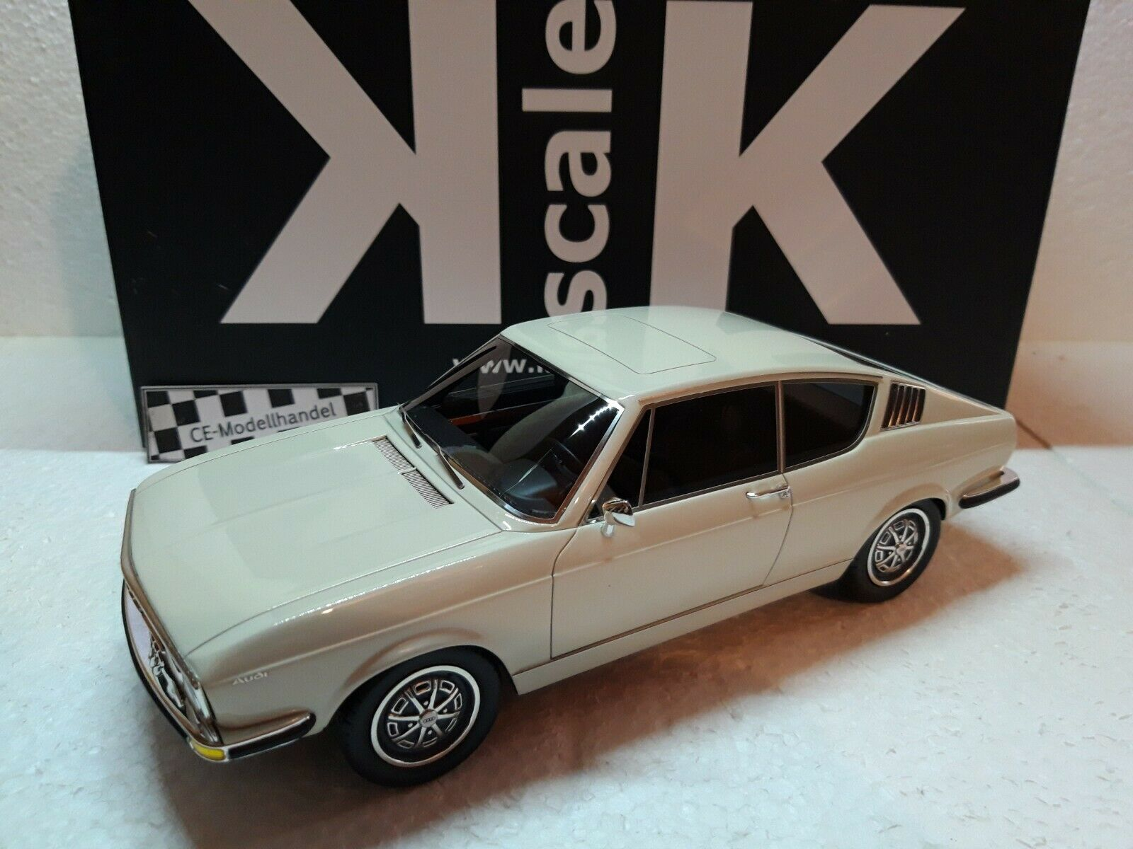 Audi 100 Coupe S  1970  NEW  KK-Scale  1 18