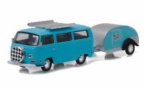 1/64 GREENLIGHT HITCH & TOW 8  1972 Volkswagen Type 2 Van and Teardrop Trailer