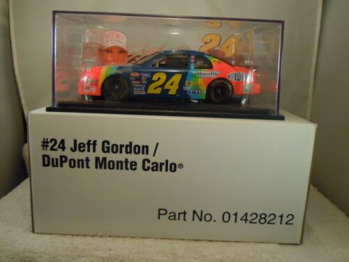 1996 REVELL #24 JEFF GORDON DUPONT MONTE CARLO 124 DIECAST STOCK CAR W BOX