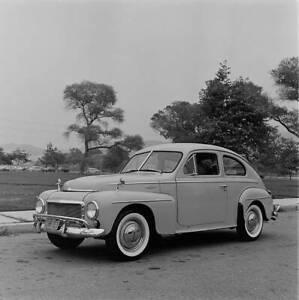 Volvo-PV444-1957-model-OLD-CAR-ROAD-TEST-PHOTO-1