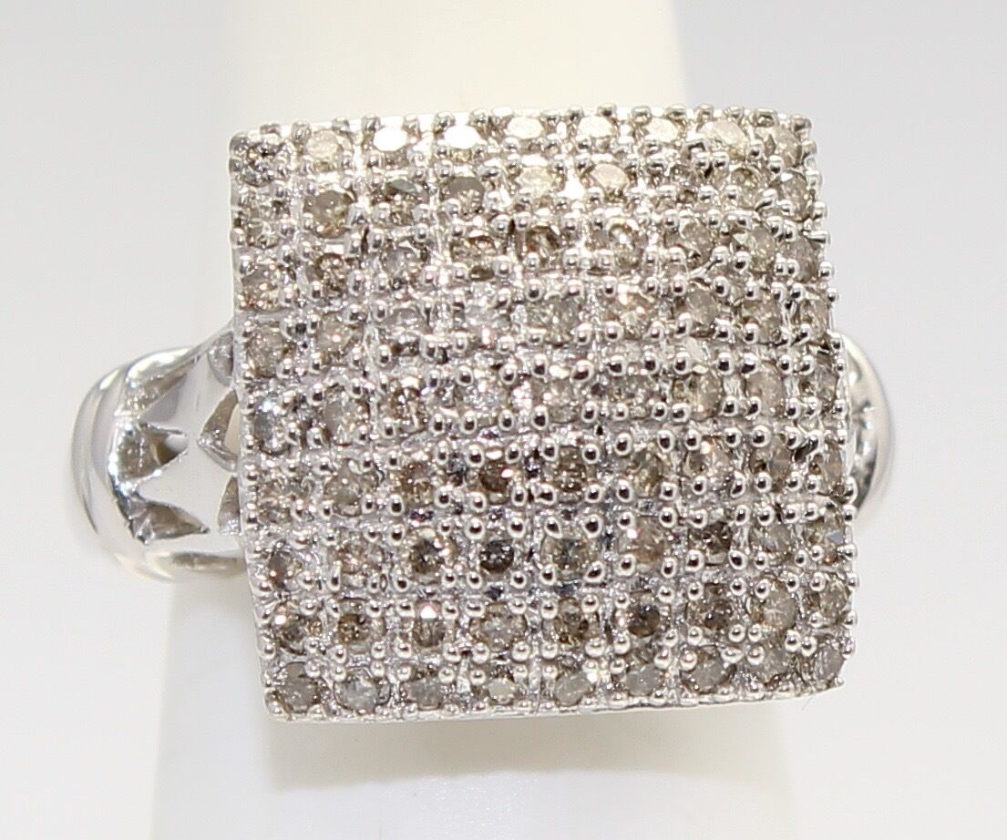 14k White gold Cluster Diamond Ladies Ring