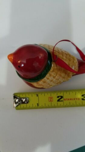 Christmas Red bird. Perfect Vintage Ceramic Christmas Tree Ornament Figurines