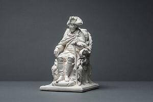 Friedrich-II-sitzend-m-Tuch-20-cm-Skulptur-kein-Gips-Deko-Dekoration-085