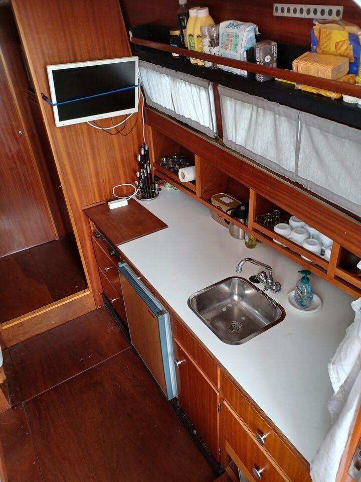 Coronet Oceanfarer Wing 32, Motorbåd, 32 fod
