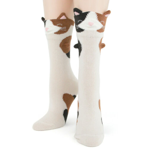 Calico Cats 3-D Foot Traffic Women/'s Crew Socks New Novelty Purrr-Fect Fashion