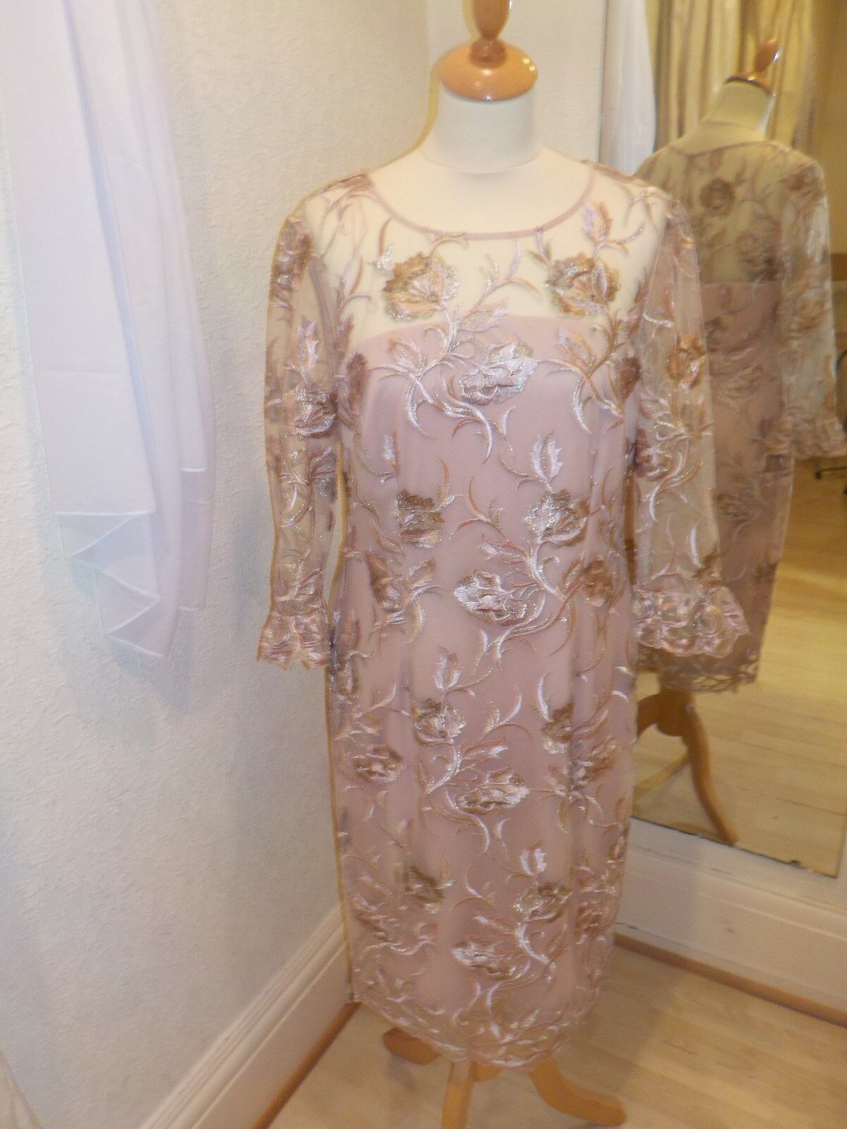 Gina Bacconi Rosa Gold Mesh Floral Detail Dress SQQ9003