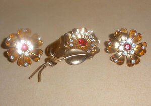 1940s Coro Large Flower Pin & Earring Set in Red & Clear Rhinestones